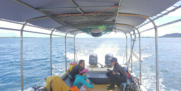 西表島の船