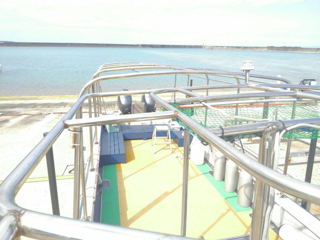 西表ダイビング屋のボート