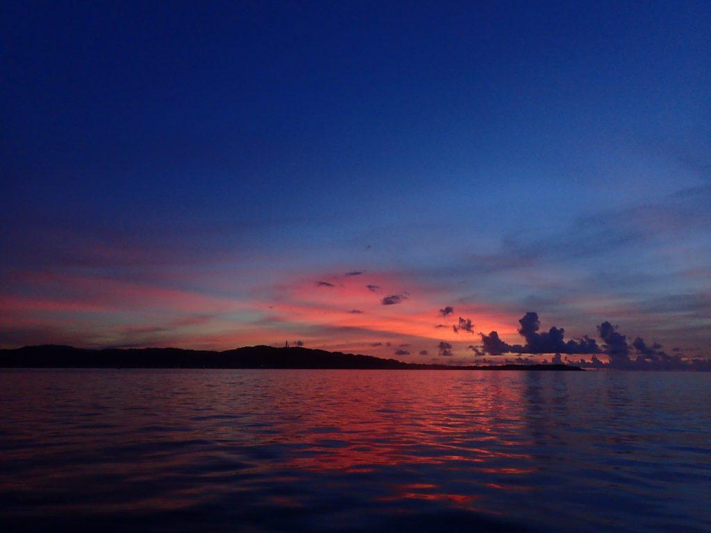 日没前の西表島