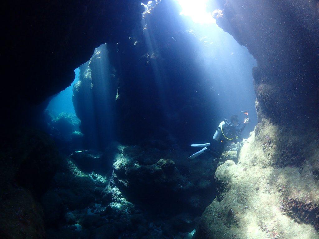 水中の光 西表島